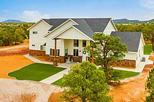 Rental Home sleeps 12+, Host Weddings Too